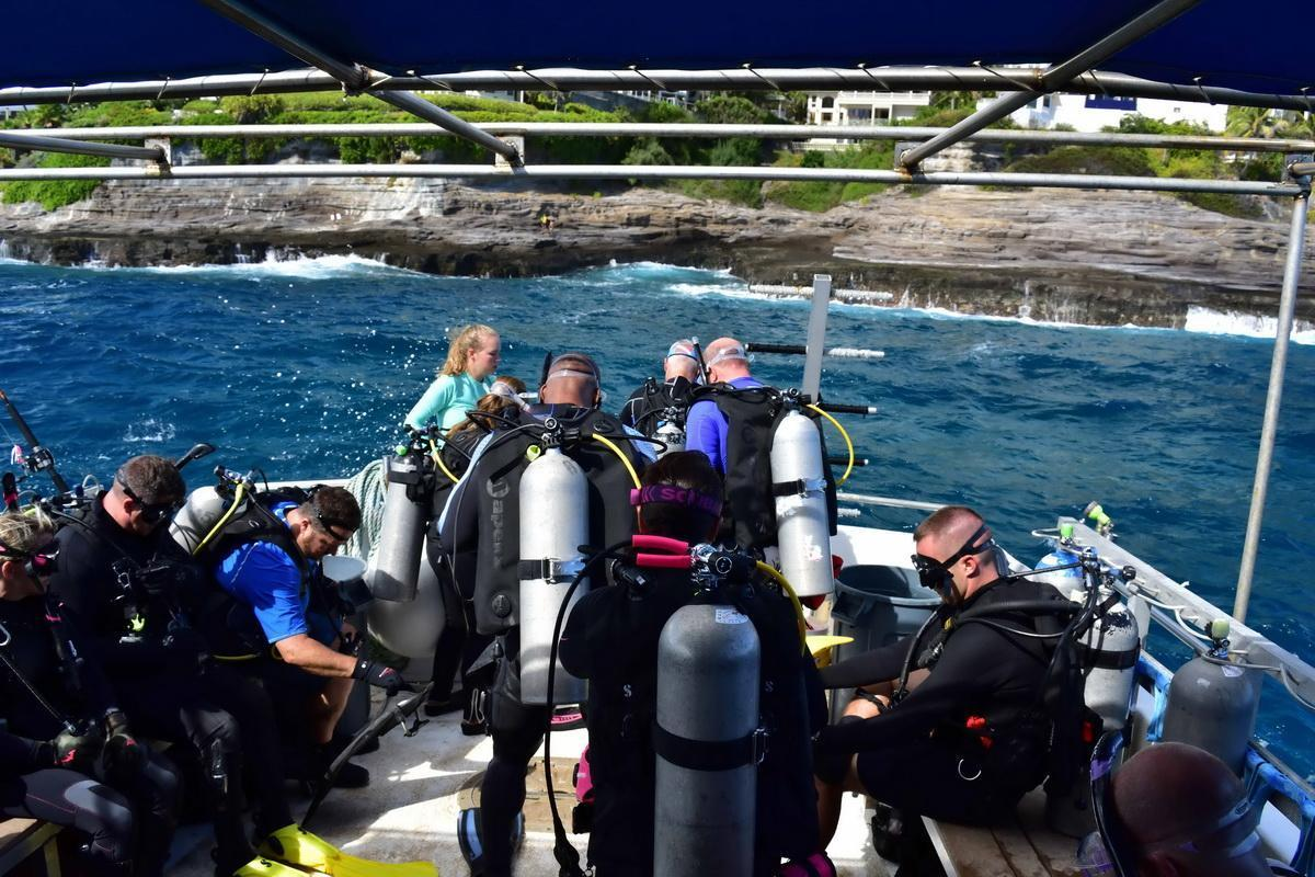 Divers ready to splash