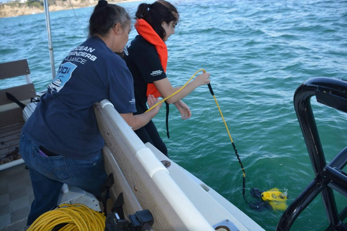 Students launch ROV